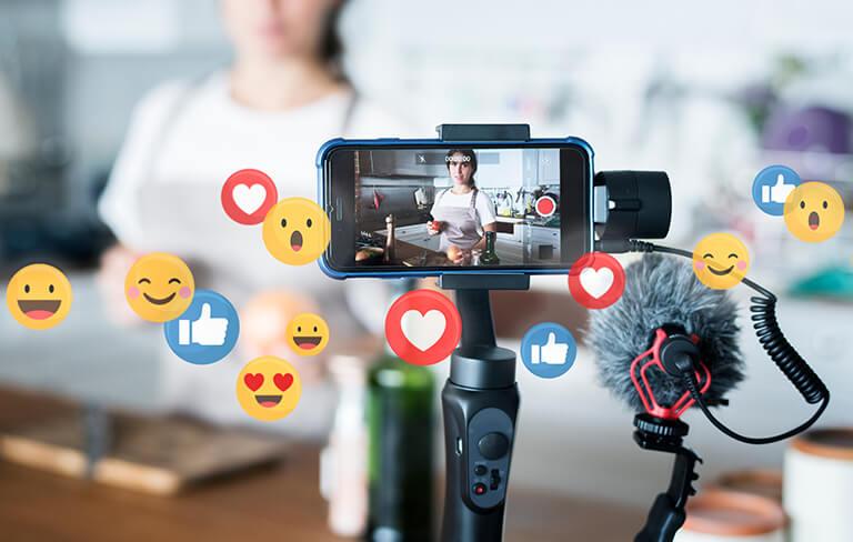 Influencer Marketing: Micro or Macro?